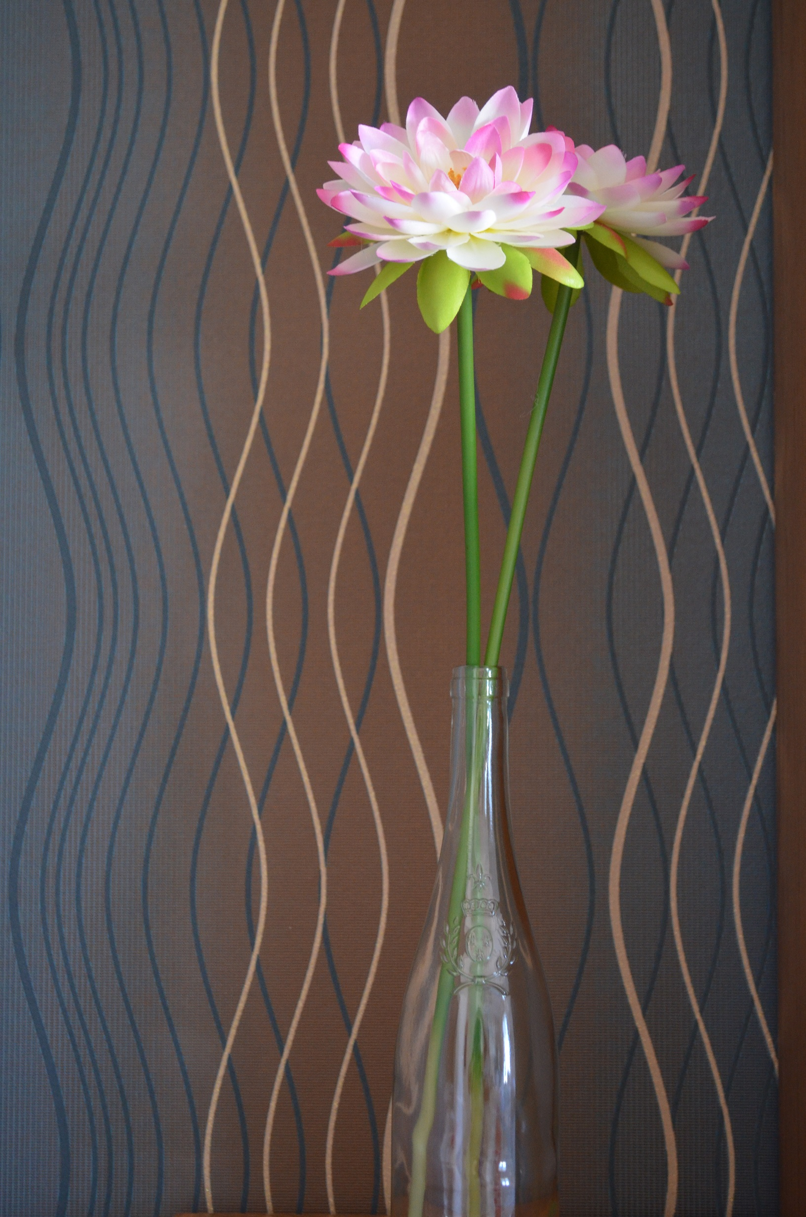 Diy vase from a wine bottle cottontail design floridaeventfo Gallery
